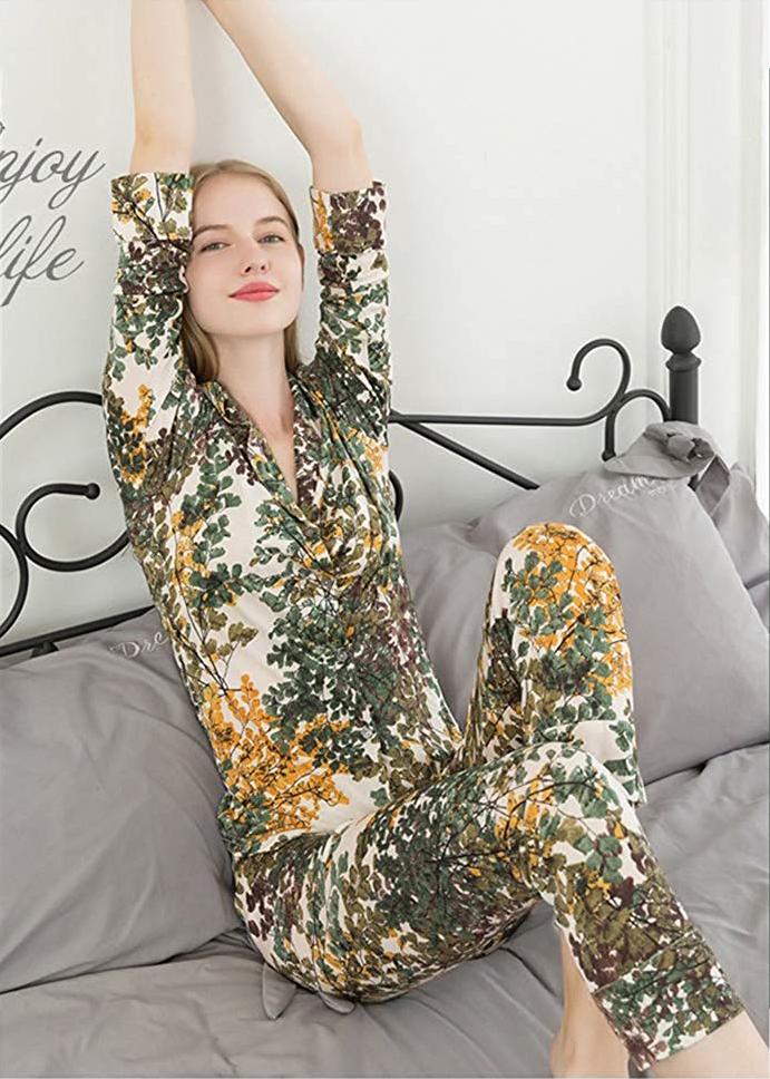 (MAYUDAMAシルク)シルク パジャマ ルームウェア ツーピース ストレッチ ゆったりフィット 長袖 快適 快眠 暖か保湿 レディース <緑黄花>